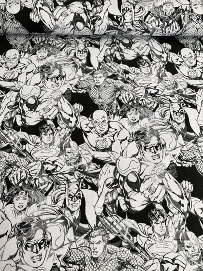 Melnbaltie supervaroņi