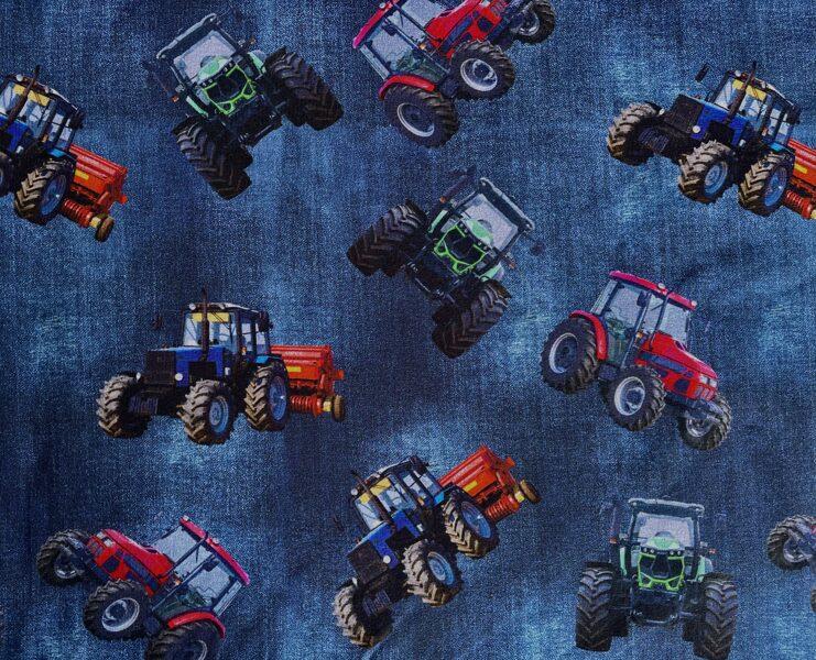Traktori uz džinsa