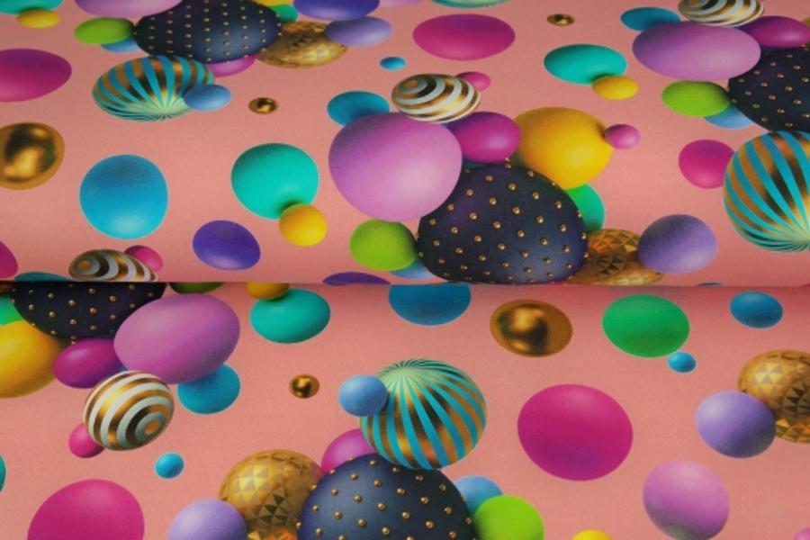 Bumbuļi uz rozā