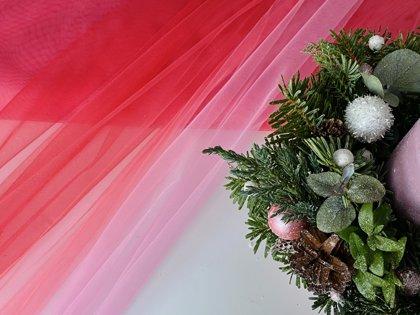 Sarkan - rozais divtoņu tills